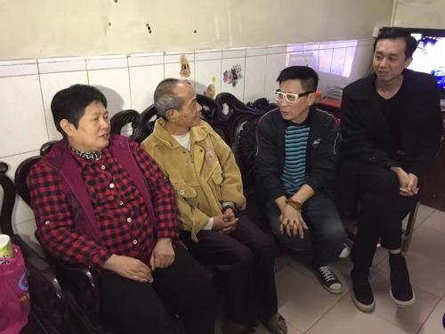 2016.11.25演员林星云与顺视主持人等慰问伦教两户困难家庭